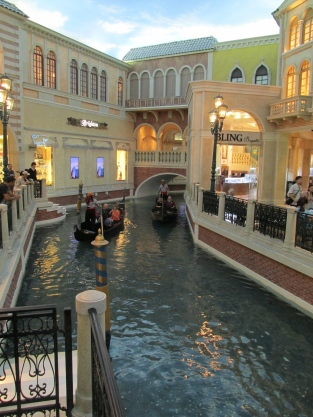 Canal Shoppes